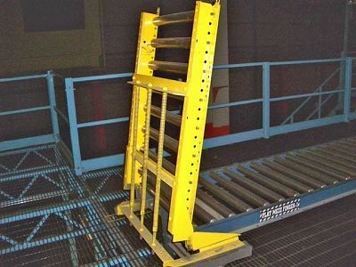 Spring Assist Gravity Roller Conveyor Lift-Gate