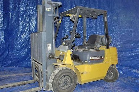 Caterpillar Pneumatic Tire Forklift (Tag 65)