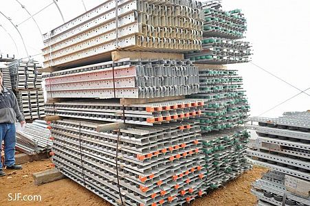 Pallet Flow Rails