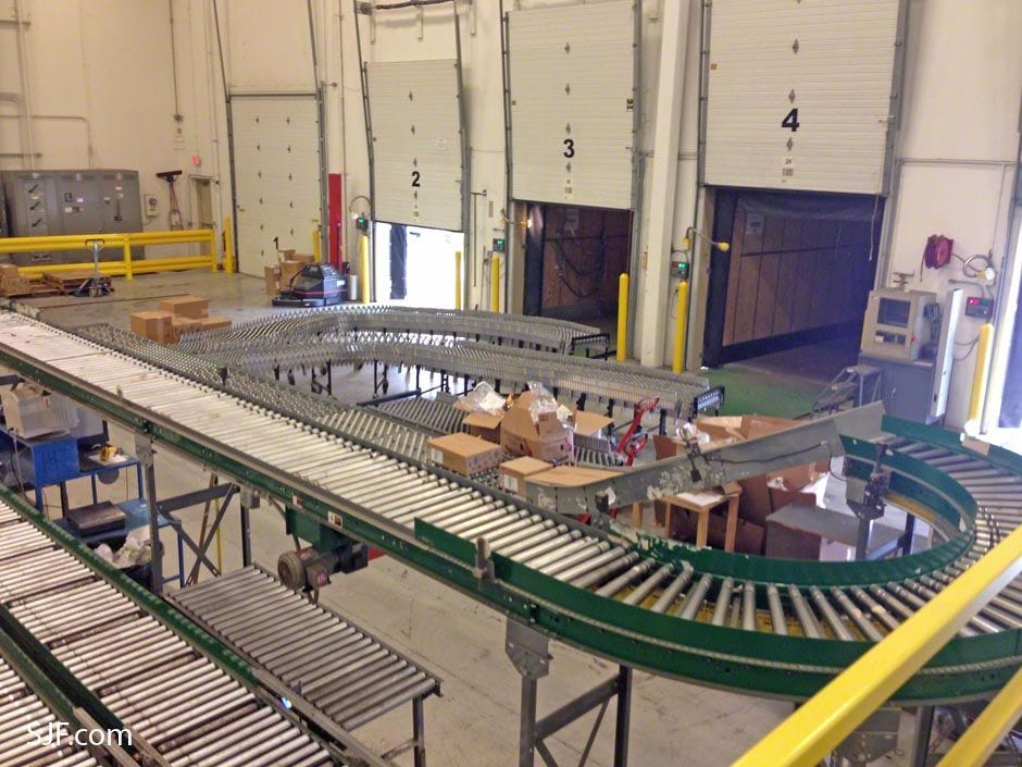 Shipping Line with 2 Flex conveyors