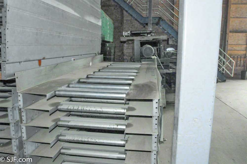 Roller Assisted Trash Conveyor