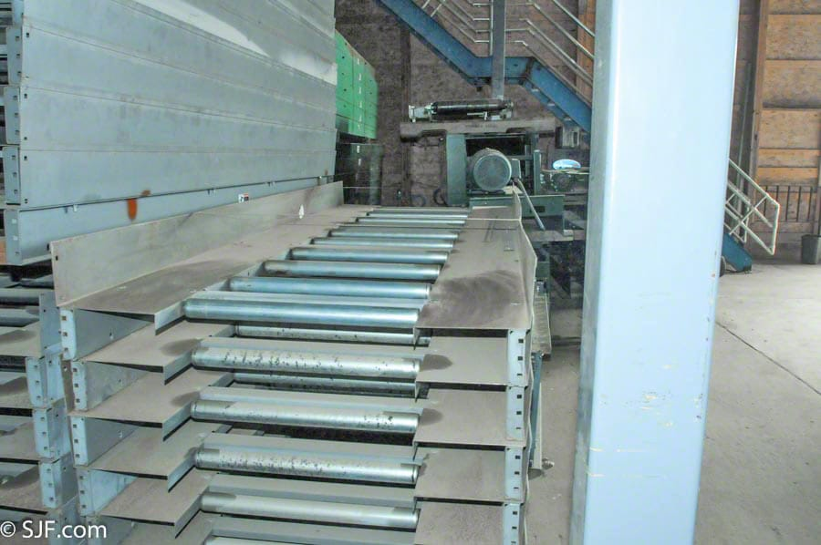 Roller Assisted Trash Conveyor