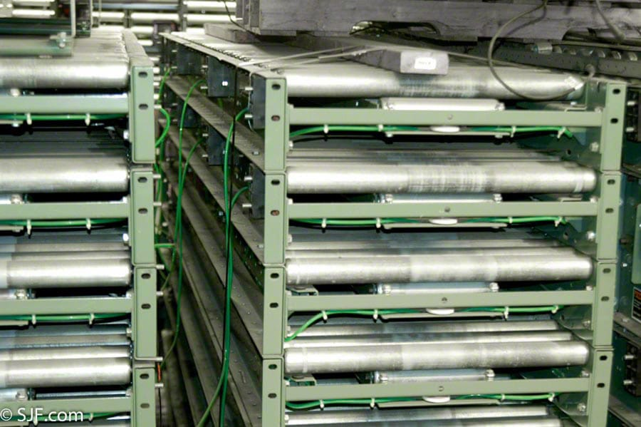 Hytrol Accumulation Conveyor - End View