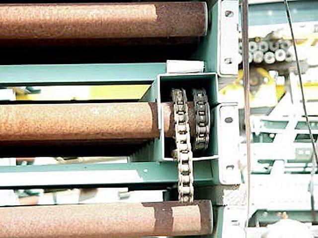 Chain Driven Pallet Conveyor - Closeup