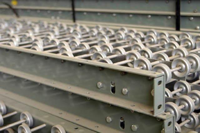 Skatewheel Conveyor - Closeup