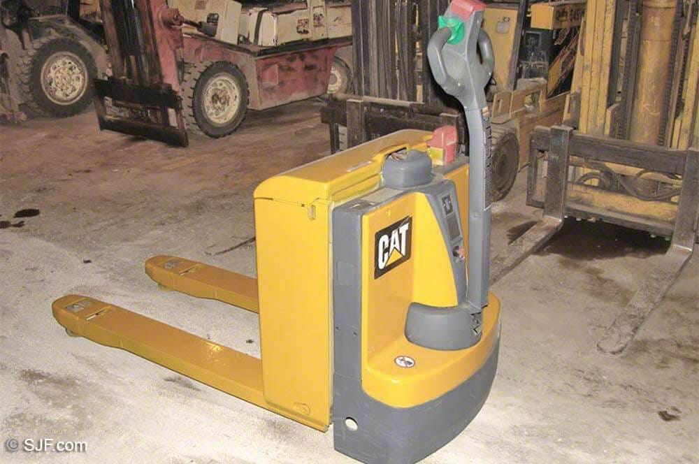 Cat Electric Pallet Jack - Tag 309
