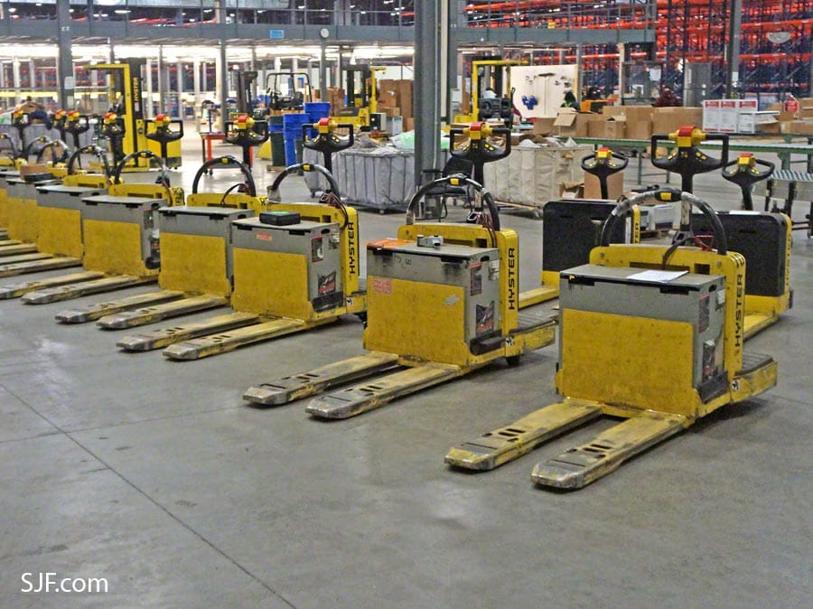 Hyster Electric Pallet Jacks – Front View