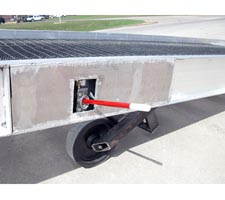 Hydraulic Lift with Ramp Lowered