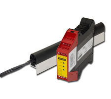 Medium Sensitivity Sensing Edge with Angled Channel and PRSU-4 (for 24V AC/DC Supply)