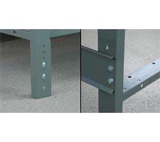 Detail View of Adjustble Leg and Stringer Mount