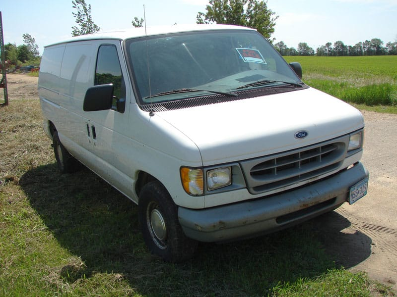 Ford E-150 Van - Front View