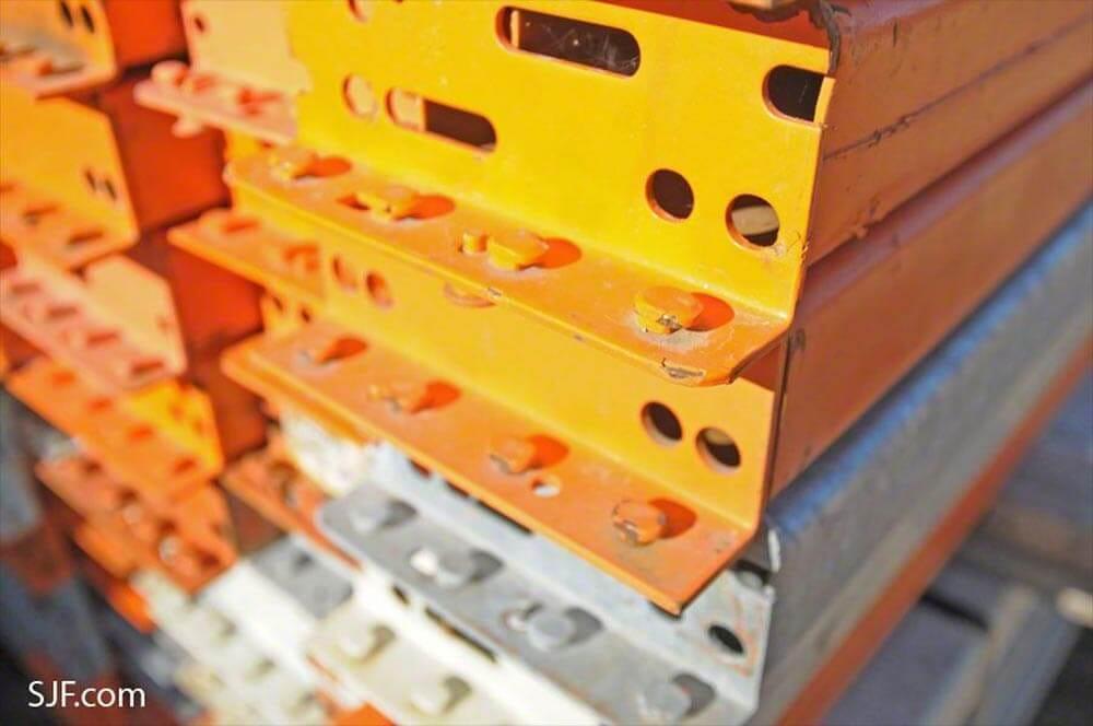 99 in Interlake Beam Clip Closeup